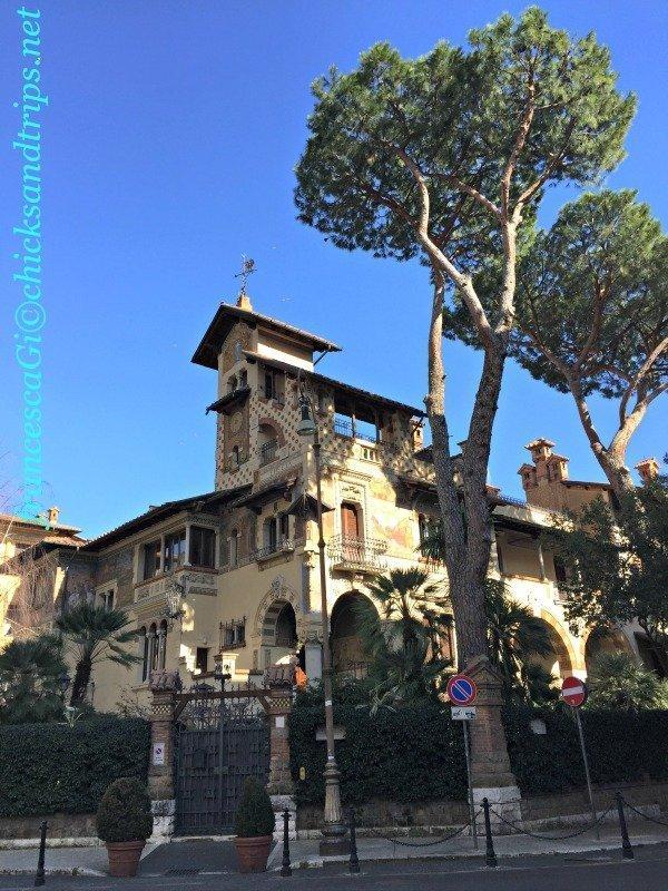 Un posto incantato tra i palazzi di Roma: il quartiere Coppedè