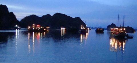Le luci su HaLong Bay