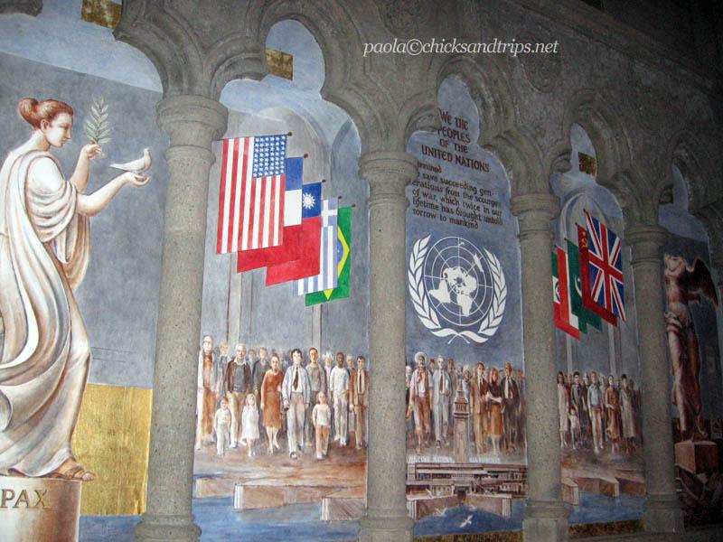 Un affresco della Grace Cathedral dedicato alle Nazioni Unite.