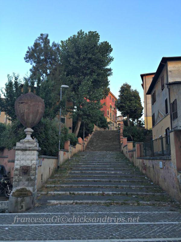 La Fontana Carlotta e la scala degli innamorati