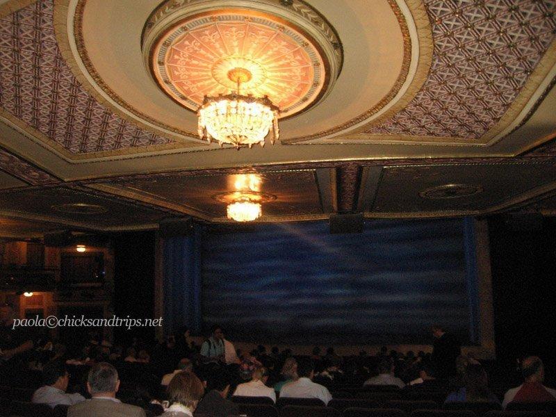"""L'interno del teatro Winter Garden, prima dell'inizio di """"Mamma Mia!"""""""