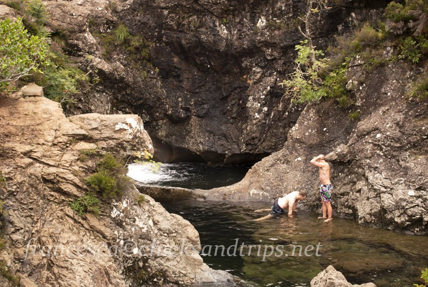 Fairy pools le cascate delle fate chicks and trips - Moscerini in bagno ...