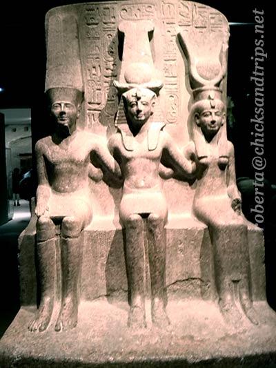 Statua di Ramesse II tra Amon e Mut - Museo Egizio di Torino