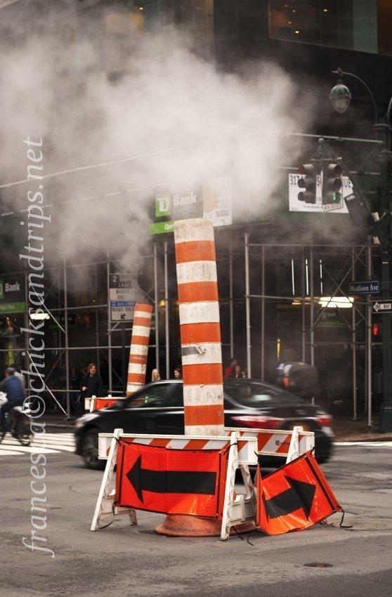 A New York i tombini fumano, anche nella Fifth Avenue
