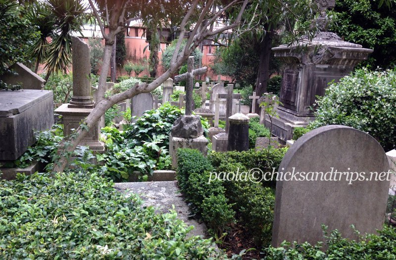 Campo Cestio, il cimitero acattolico di Roma