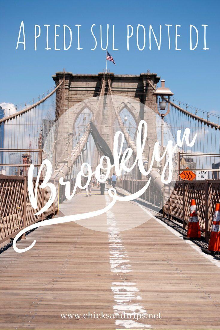 a piedi sul ponte di brooklyn new york