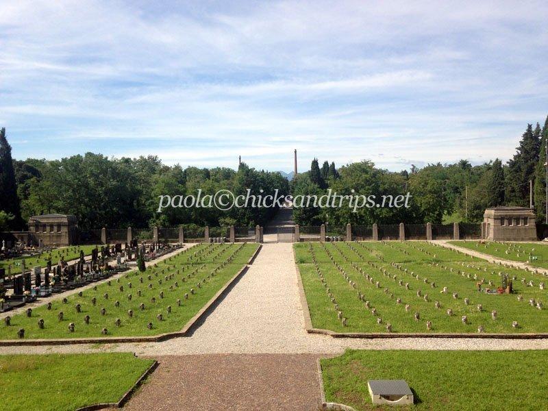 Il cimitero di Crespi visto dal mausoleo