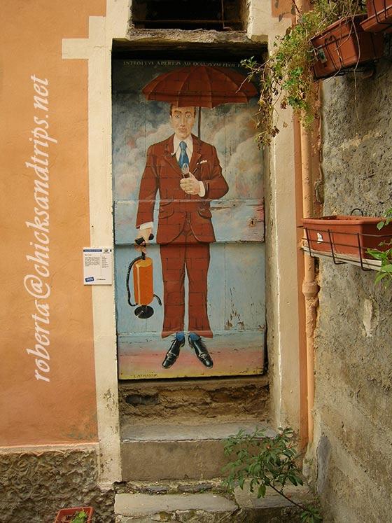 Le porte dipinte di Valloria