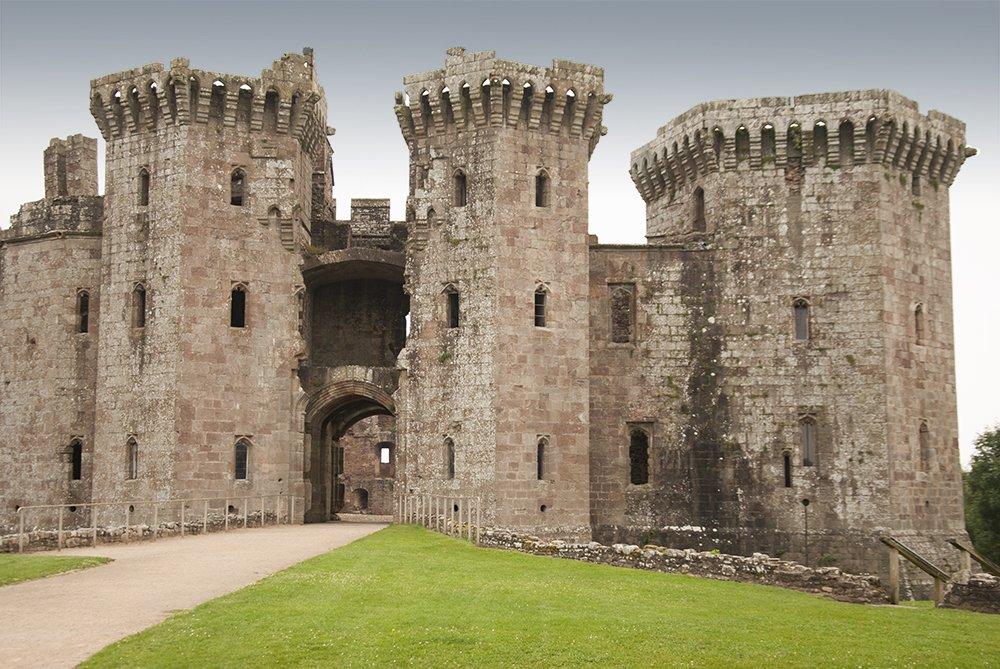 castelli del galles raglan 1