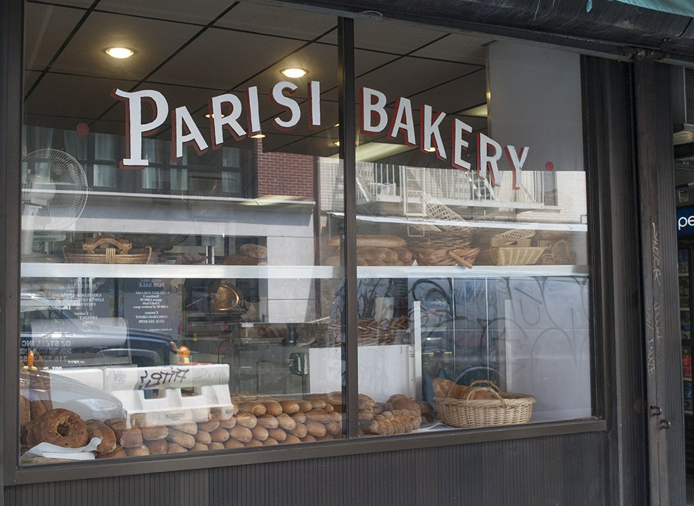 itinerario a new york little italy parisi bakery