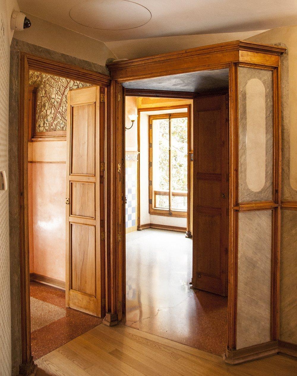 casa vicens barcellona gaudì interno vestibolo