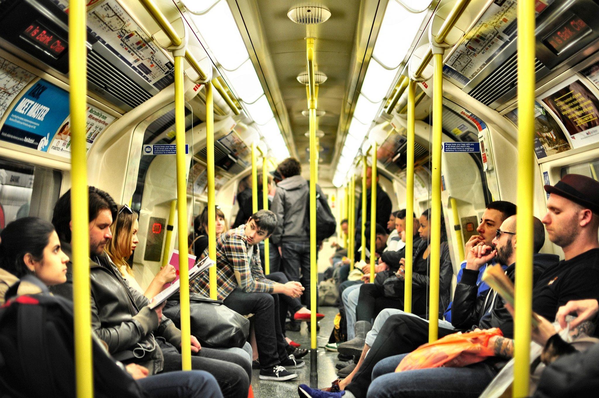 metropolitana di Londra regole