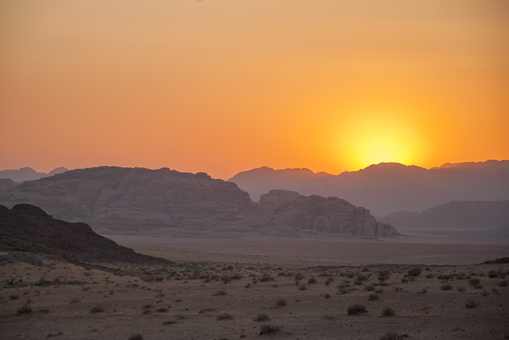 tramondo deserto wadi rum giordania