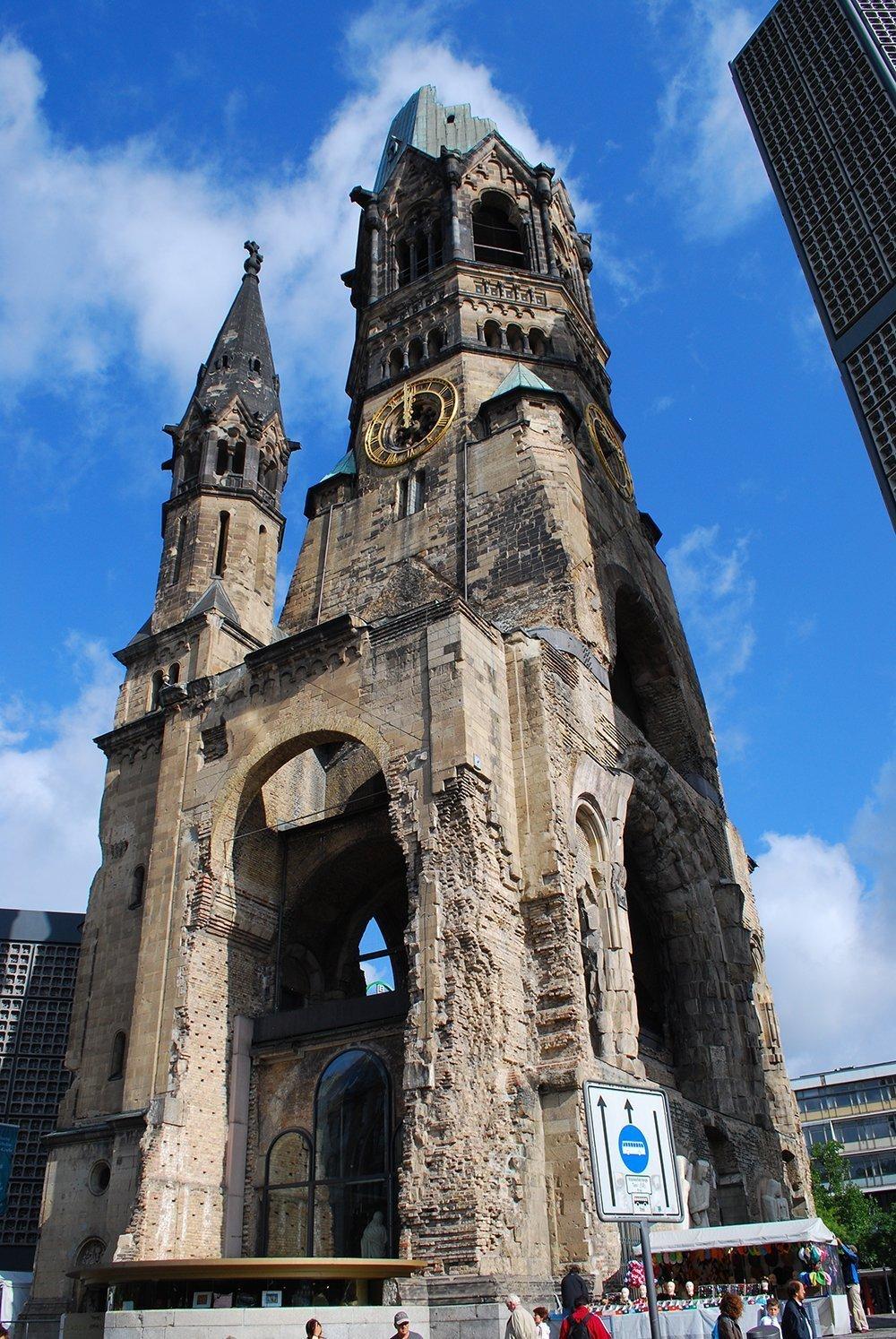 dente spezzato chiesa berlino