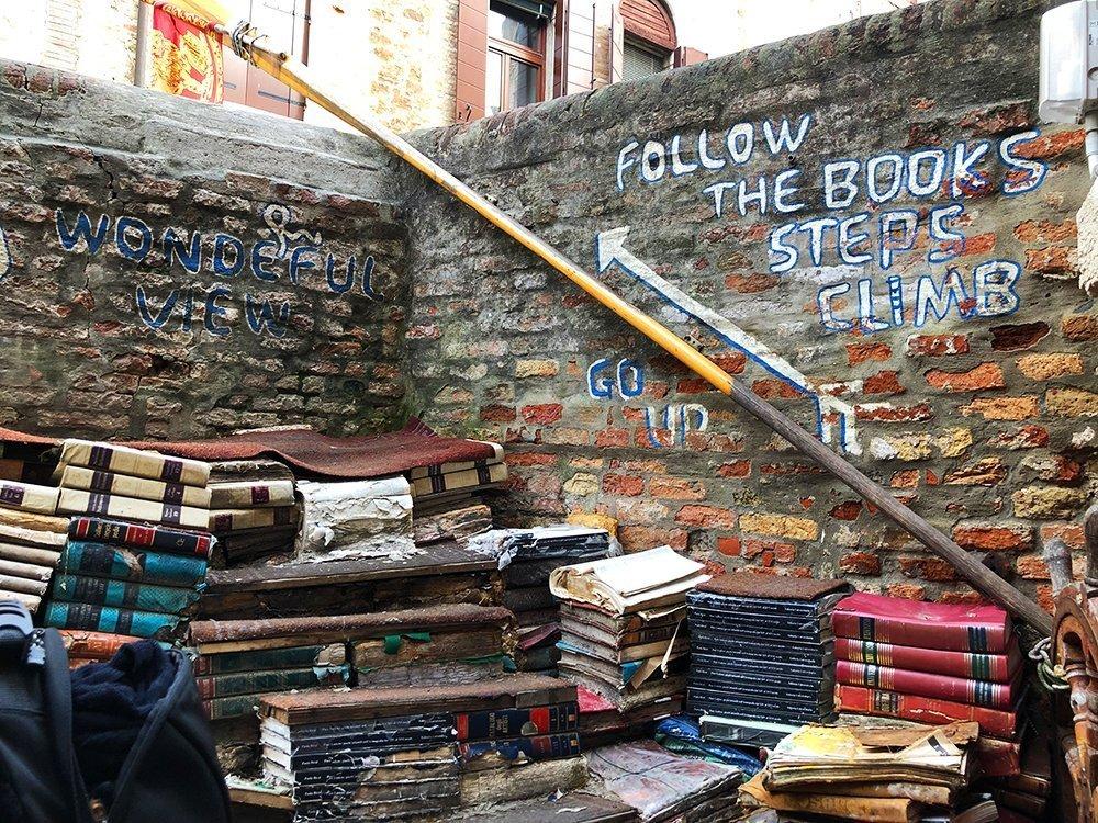 libreria acqua alta venezia