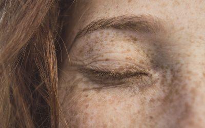 Skincare in viaggio: come prendersi cura della pelle durante i voli aerei