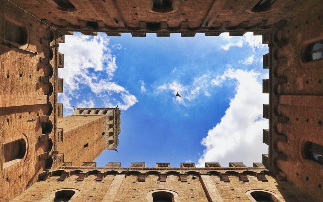 Salire sulla Torre del Mangia a Siena: biglietti, orari e leggenda!