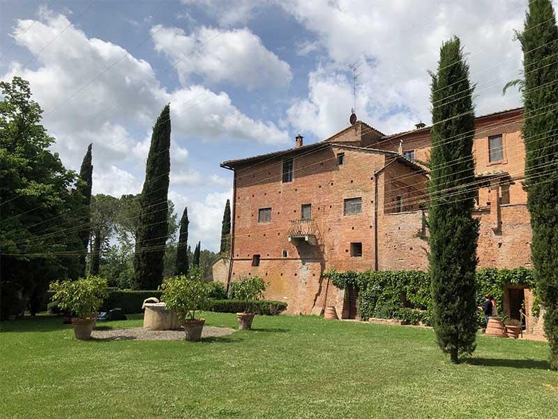 Dove dormire nei dintorni di Siena: il Castello di San Fabiano