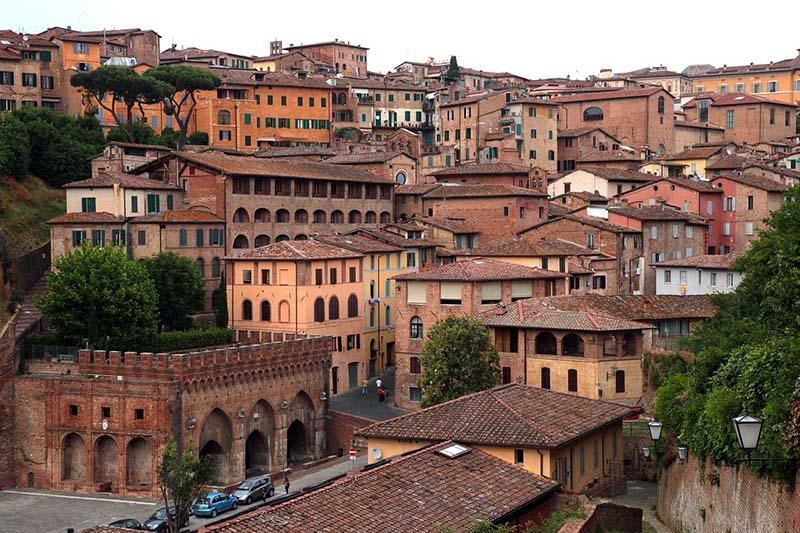 Dove dormire a Siena centro, contrada per contrada (consigli di una local)